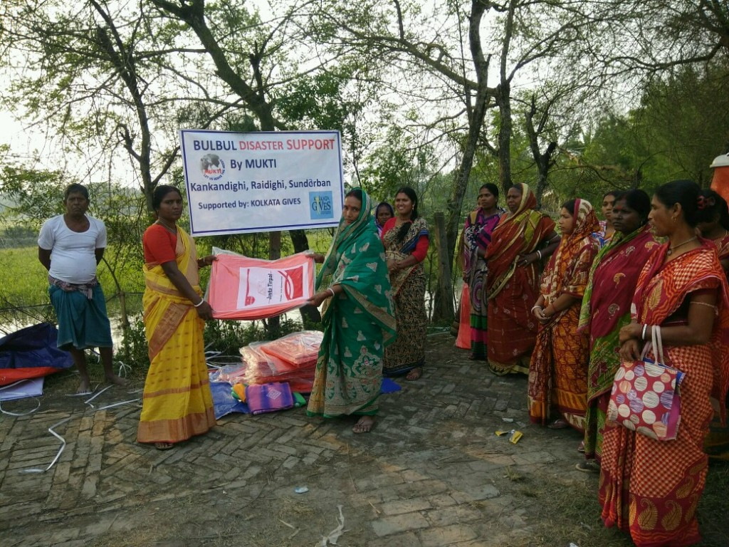 Relief Distribution At Kankandighi Supported By Kolkata Gives