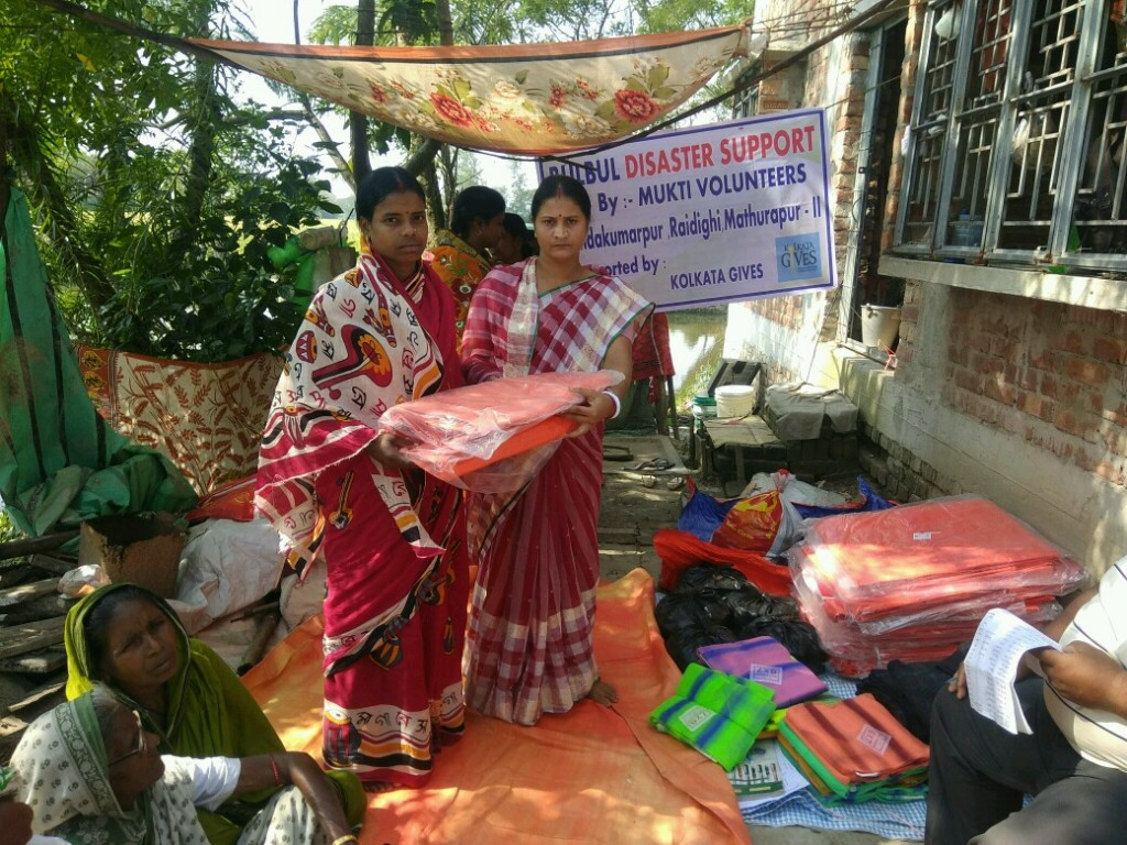 Relief Distribution At Nandakumarpur, Raidighi Supported By Kolkata Gives Foundation