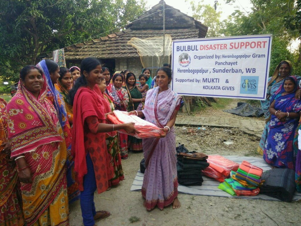 Relief Work At Herombogopalpur In Collaboration With Kolkata Gives Foundation