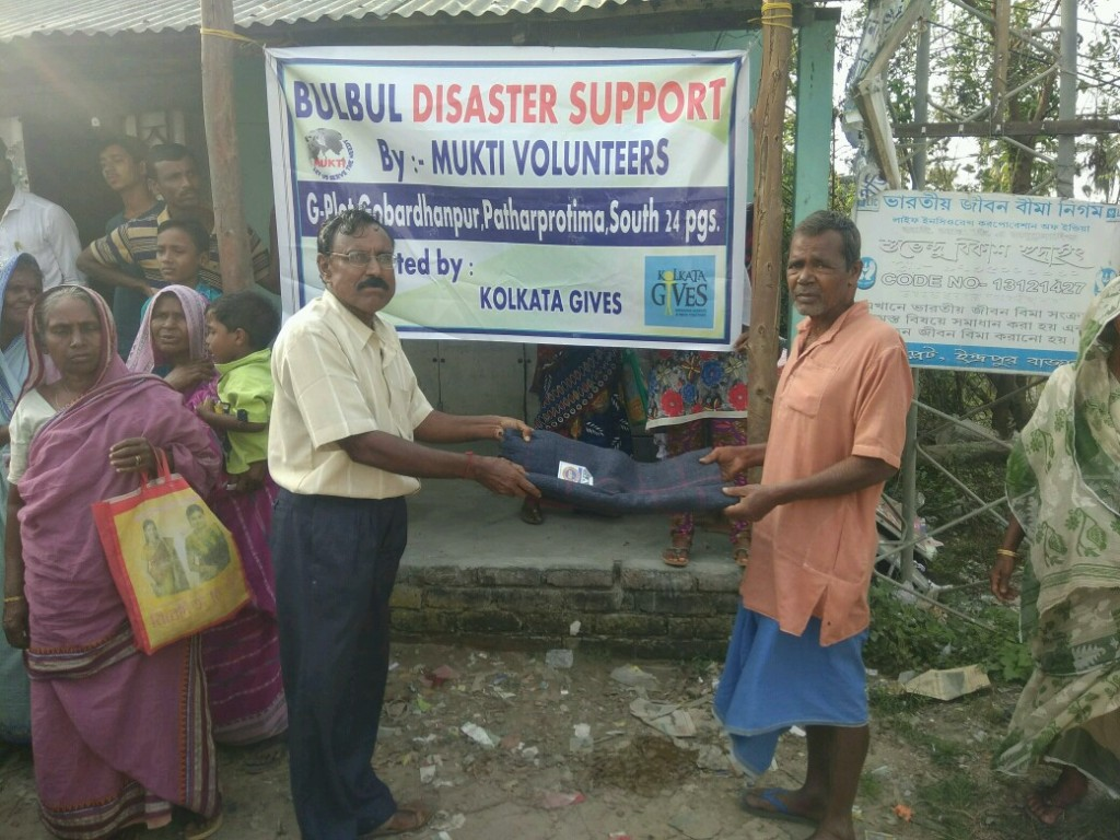 Relief Work At G-plot In Collaboration With Kolkata Gives Foundation