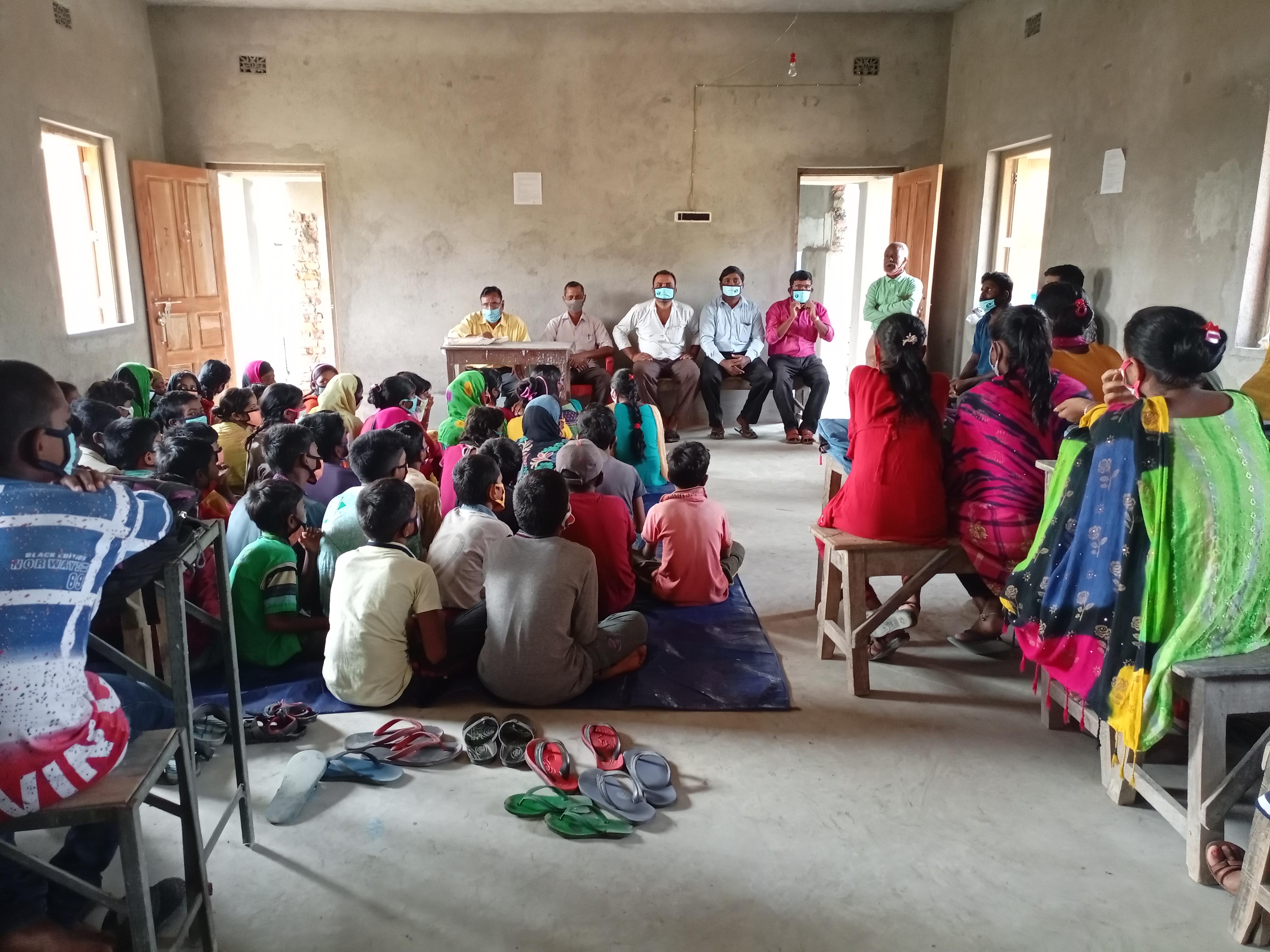 Mukti Distributed Masks To 132 Students Of Purba Jata Mss