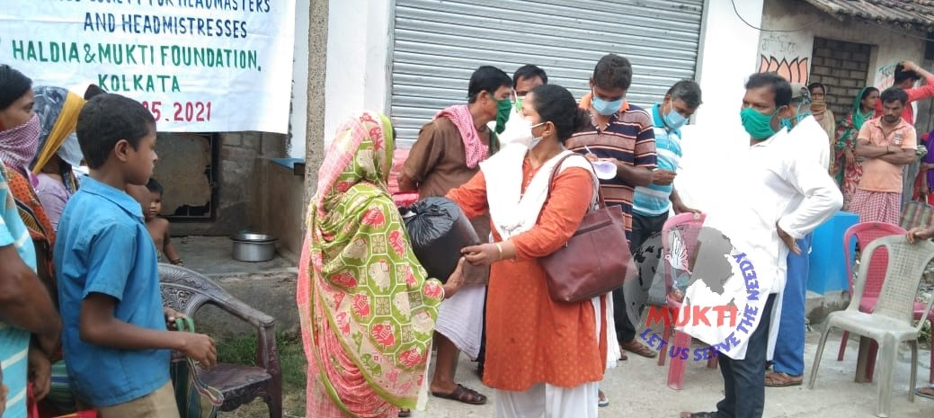 Dry Ration And Tarpaulin Support By Mukti