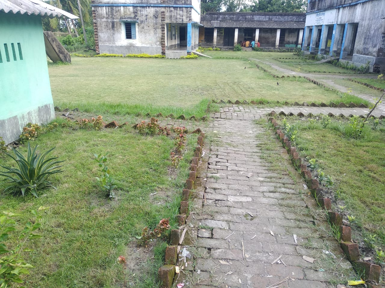 Mukti Beautified The School Compound Of Purba Para F. P School At Mukti Gram