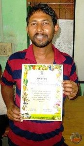 Mr_-Purkait-with-his-Krishi-Ratna-certificate-173x300