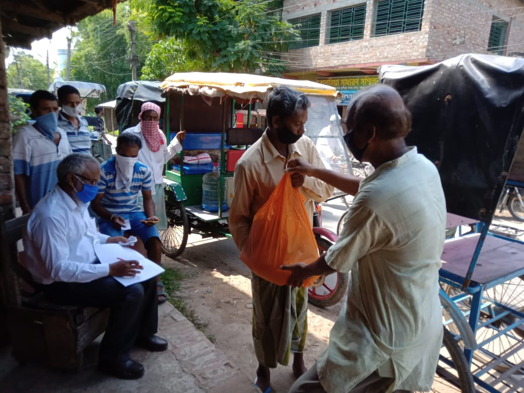 Relief program by Mukti at Subhasgram for Essential Commodities