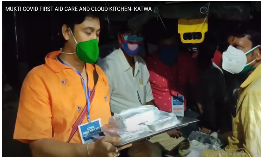 Mukti Cloud Kitchen Reached Katwa to Serve the Covid Affected Family with Healthy Food